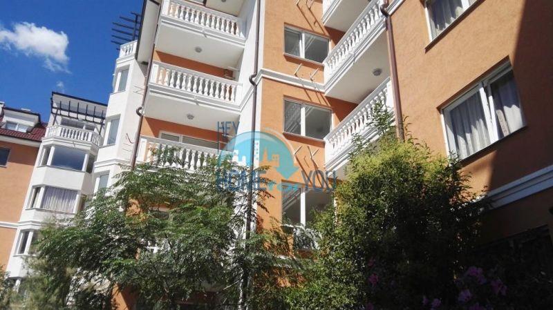 Недорогая четырехкомнатная квартира на Солнечном берегу 25