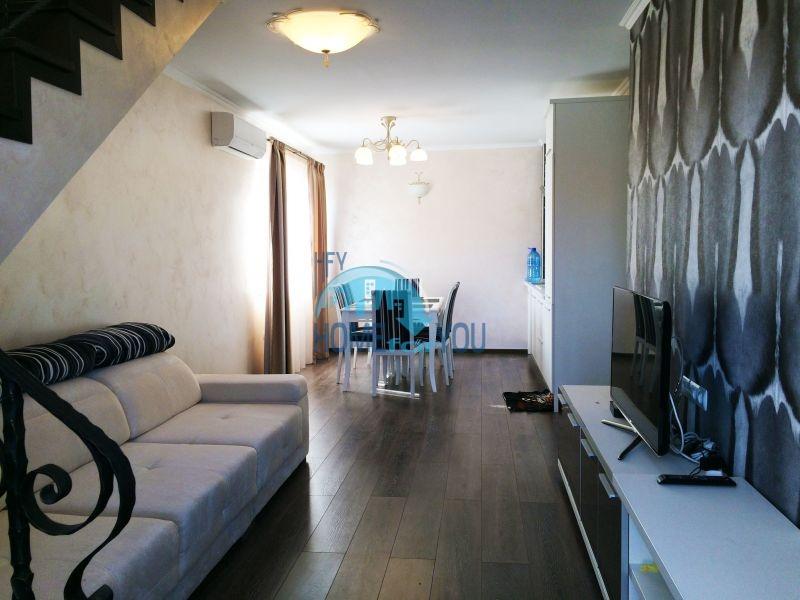 Недорогая четырехкомнатная квартира на Солнечном берегу