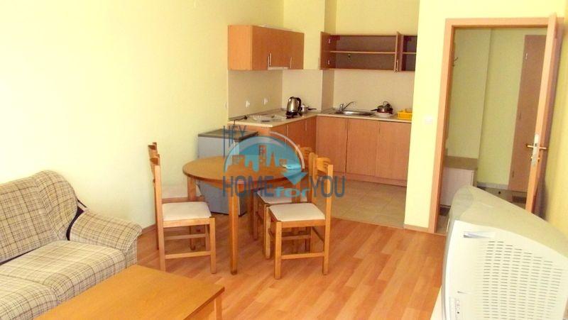 Недорогая двухкомнатная квартира на курорте Солнечный берег 8