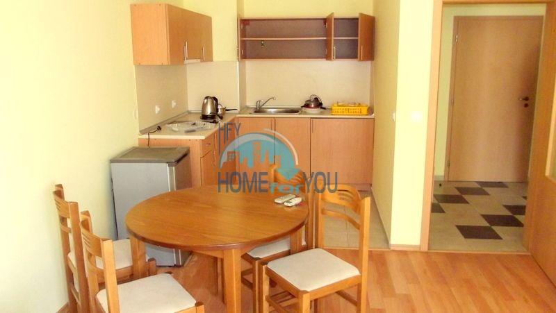 Недорогая двухкомнатная квартира на курорте Солнечный берег 9