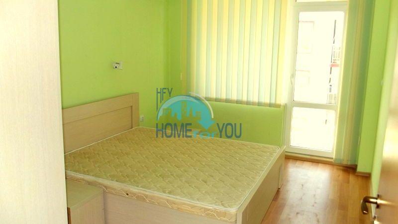 Недорогая двухкомнатная квартира на курорте Солнечный берег 10