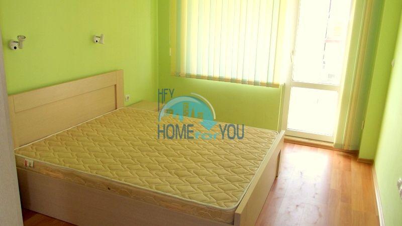 Недорогая двухкомнатная квартира на курорте Солнечный берег 11