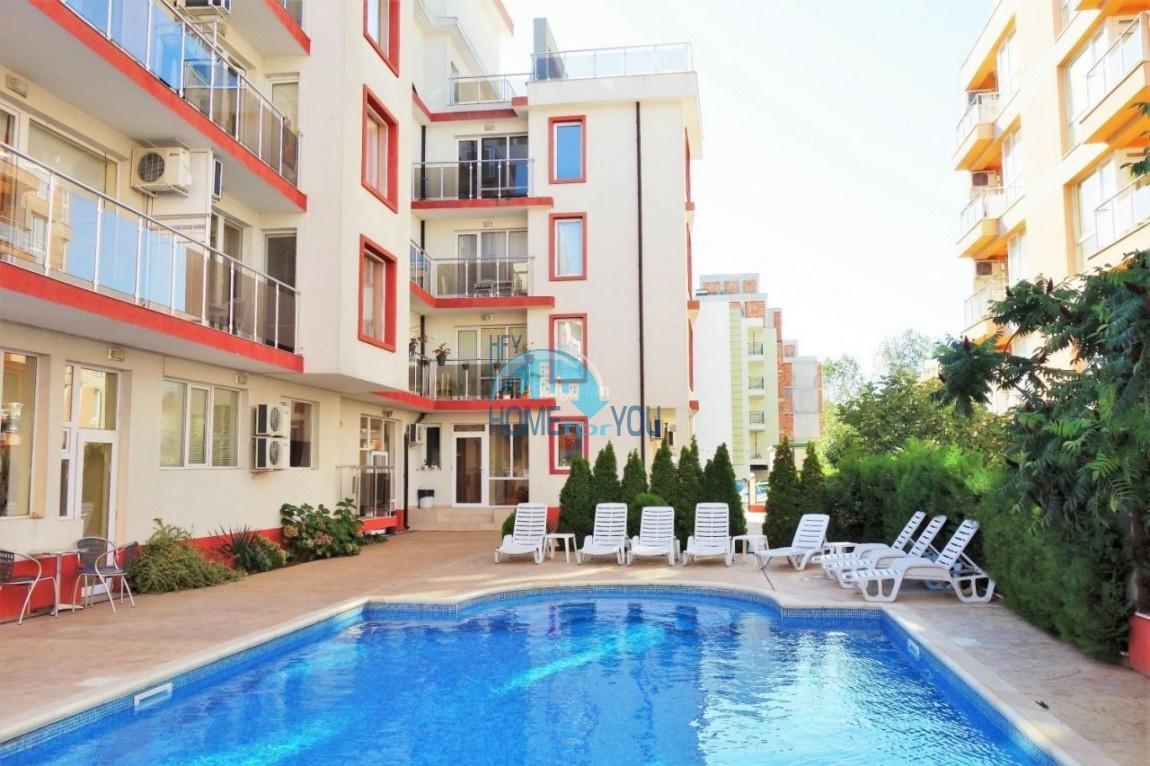 Недорогая двухкомнатная квартира в комплексе на курорте Солнечный берег