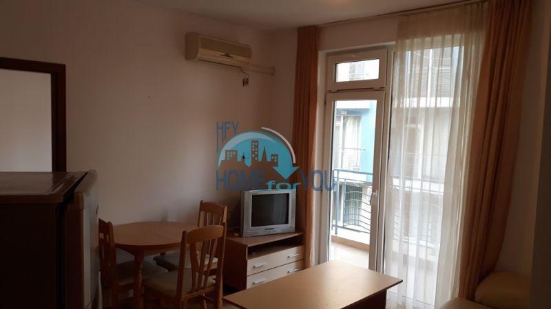 Недорогая уютная трехкомнатная квартира с мебелью - Солнечный берег 2