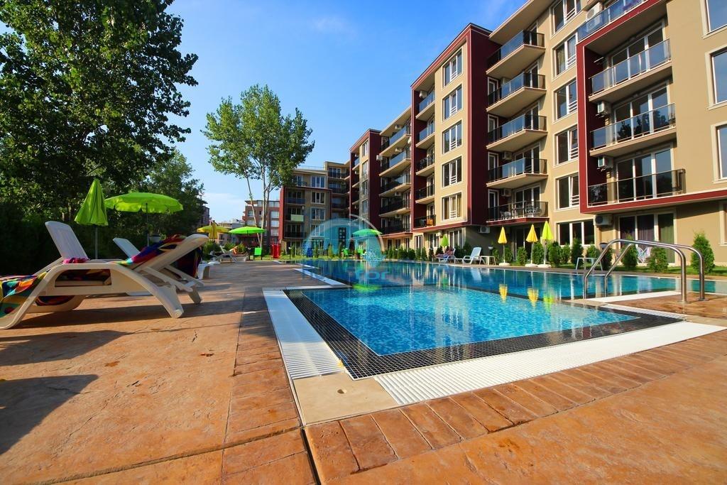 Новая большая двухкомнатная квартира на курорте Солнечный берег