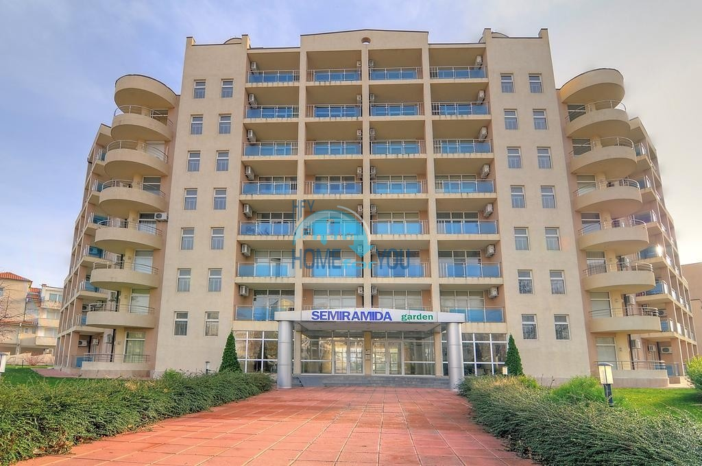 Большая двухкомнатная квартира в самом центре Солнечного берега