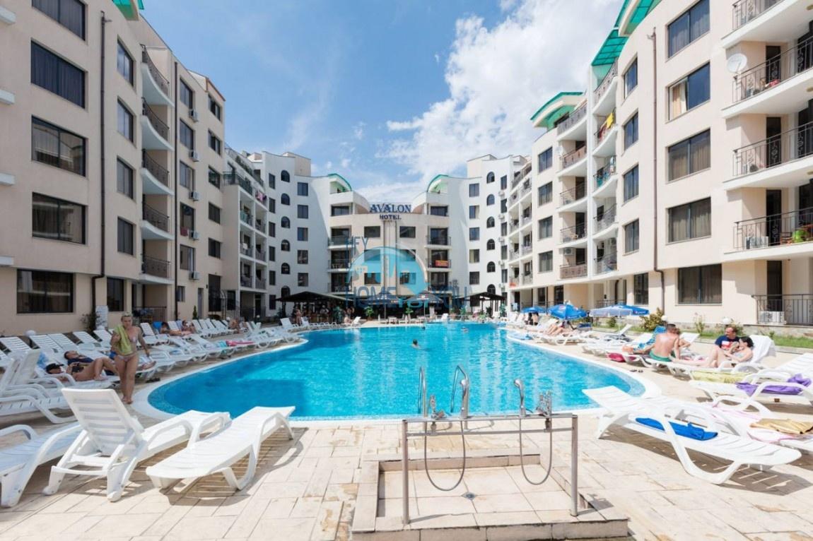 Новая, меблированная двухкомнатная квартира в комплексе Авалон, Солнечный берег
