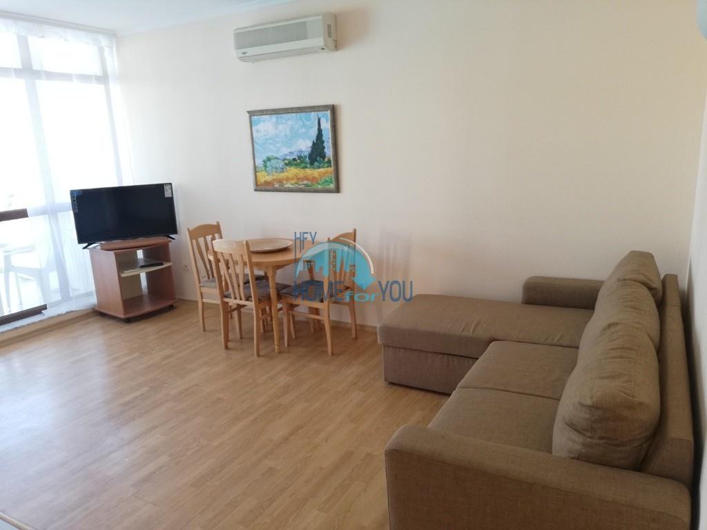 Новая, просторная двухкомнатная квартира на Солнечном берегу