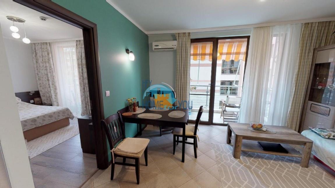Новая, уютная двухкомнатная квартира на Солнечном берегу