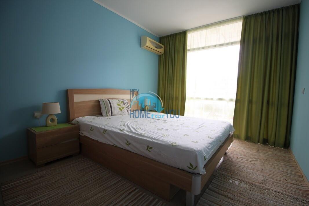Отличная двухкомнатная квартира на Солнечном берегу
