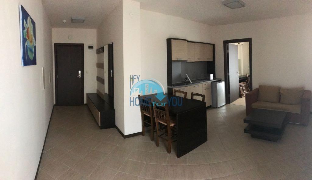 Отличная трехкомнатная квартира на Солнечном берегу