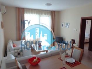 Отличная трехкомнатная квартира в комплексе Амадеус 3, Солнечный берег