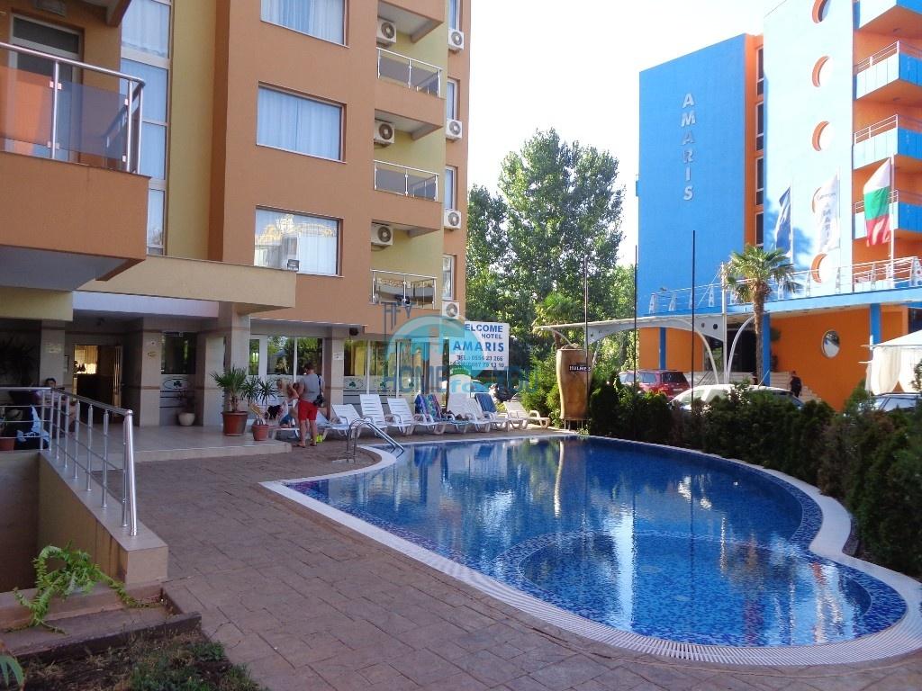 Прекрасная трехкомнатная квартира в комплексе Азуро Скай, Солнечный берег