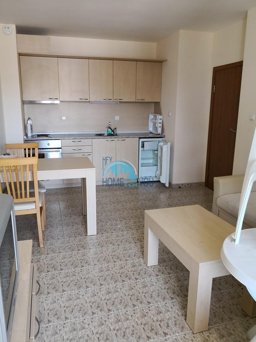 Просторная двухкомнатная квартира в комплексе Роял Дриймс на Солнечном берегу