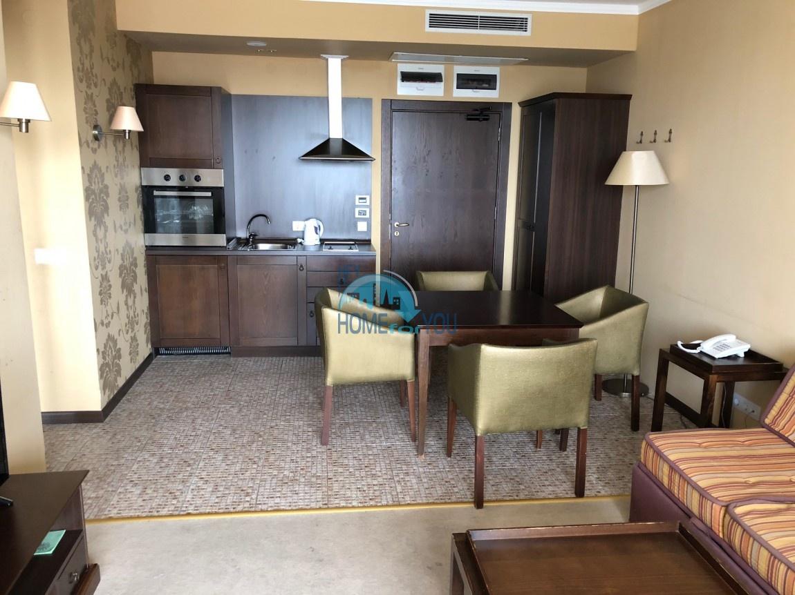 Стильная, новая двухкомнатная квартира на Солнечном берегу