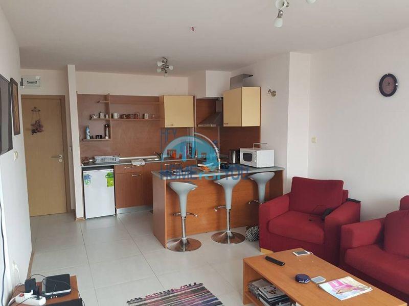Трехкомнатная квартира на продажу в центре Солнечного берега 2