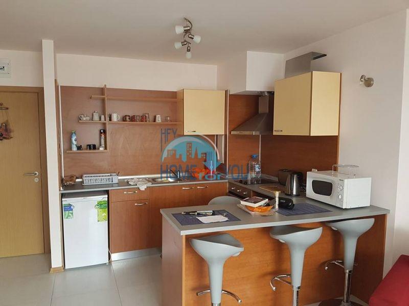 Трехкомнатная квартира на продажу в центре Солнечного берега 4