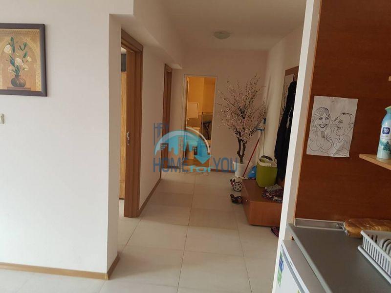 Трехкомнатная квартира на продажу в центре Солнечного берега 7