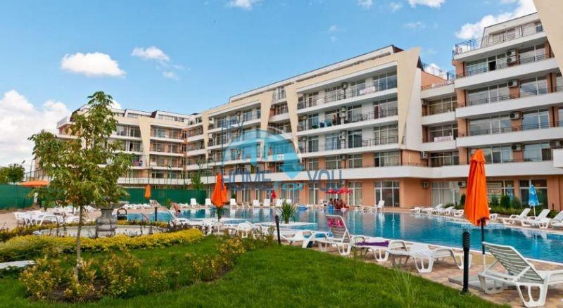Трехкомнатная квартира на продажу в центре Солнечного берега 16