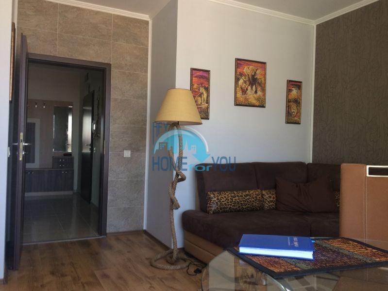 Трехкомнатная квартира на курорте Солнечный берег - новая