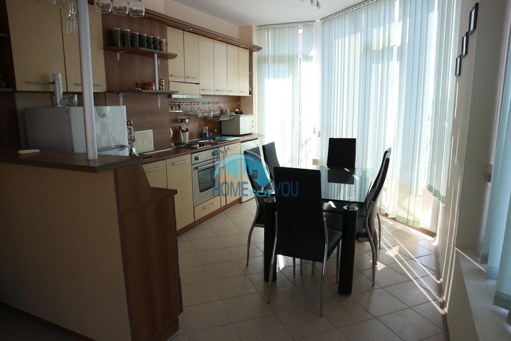Трехкомнатная квартира по выгодной цене на курорте Солнечный Берег