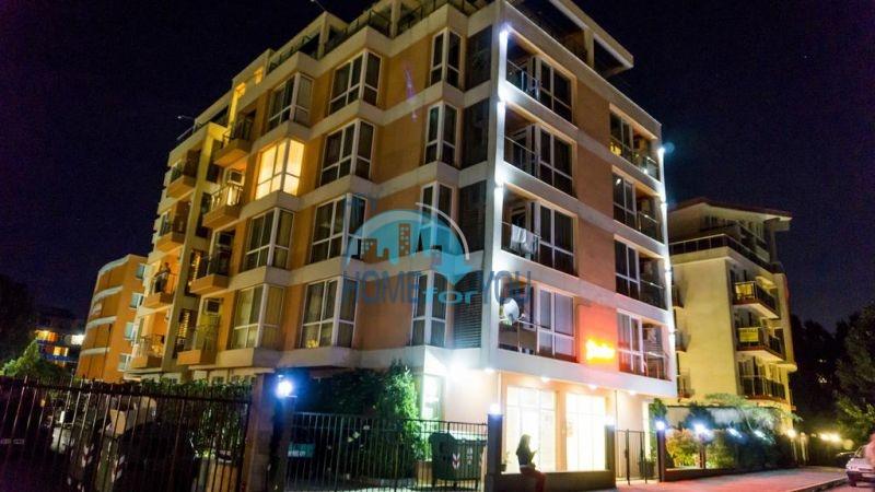 Отличная трехкомнатная квартира для ПМЖ на Солнечном берегу недорого