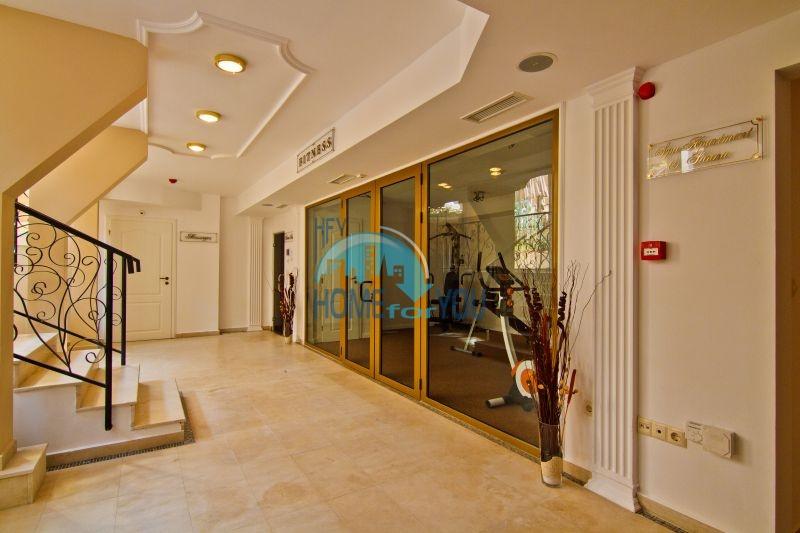 Трехкомнатная квартира в элитном комплексе на Солнечном берегу 9