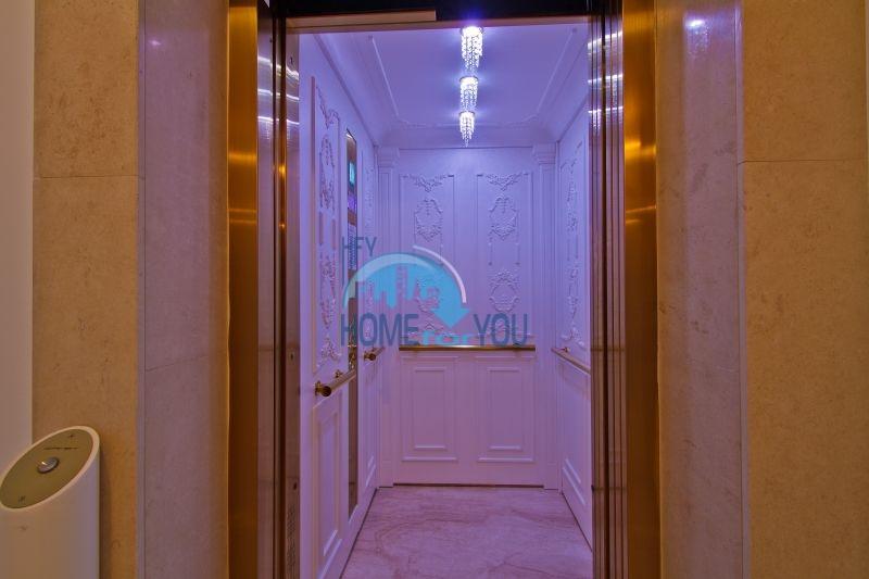 Трехкомнатная квартира в элитном комплексе на Солнечном берегу 10