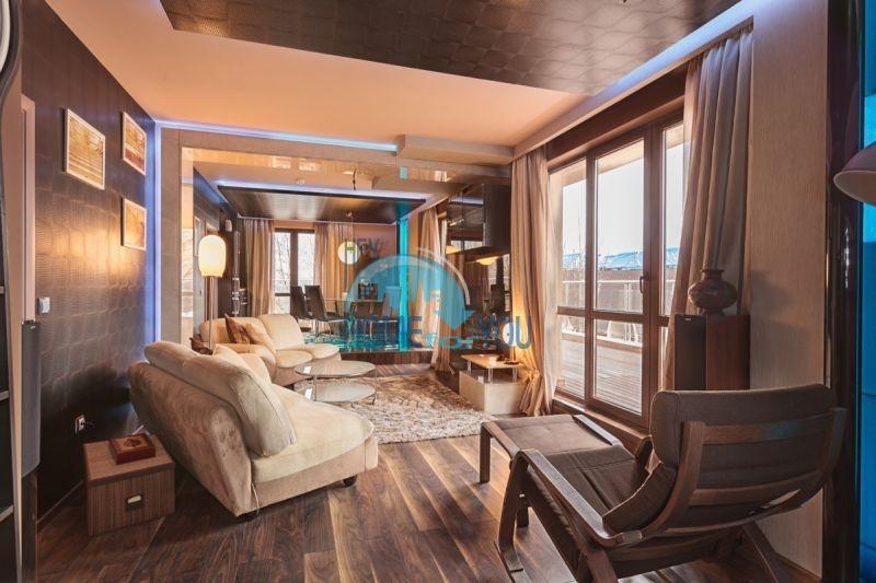 Трехкомнатная квартира на курорте Солнечный берег