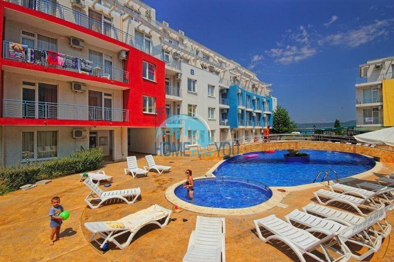 Трехкомнатный апартамент с видом на территорию по очень выгодной цене, комплекс Sunny Day 3 на Солнечном Берегу