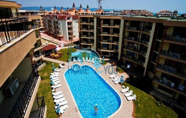 Трехкомнатный меблированный апартамент для отдыха и проживания на курорте Солнечный Берег, комплекс Sea Grace