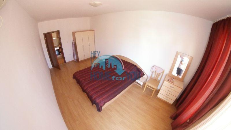 Уютная двухкомнатная квартира по доступной цене на курорте Солнечный берег 6