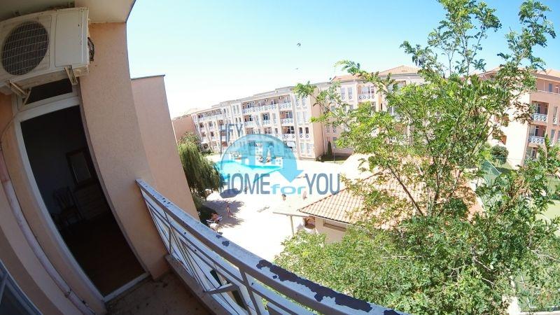 Уютная двухкомнатная квартира по доступной цене на курорте Солнечный берег 8
