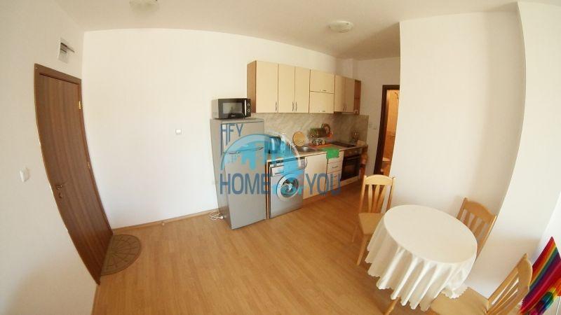 Уютная двухкомнатная квартира по доступной цене на курорте Солнечный берег 4