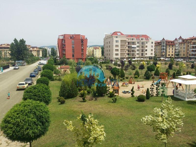 Уютная двухкомнатная квартира в элитном комплексе в центре курорта 16