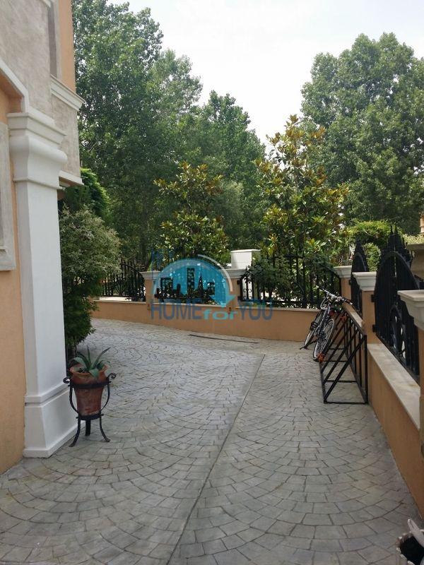 Уютная двухкомнатная квартира в элитном комплексе в центре курорта 18