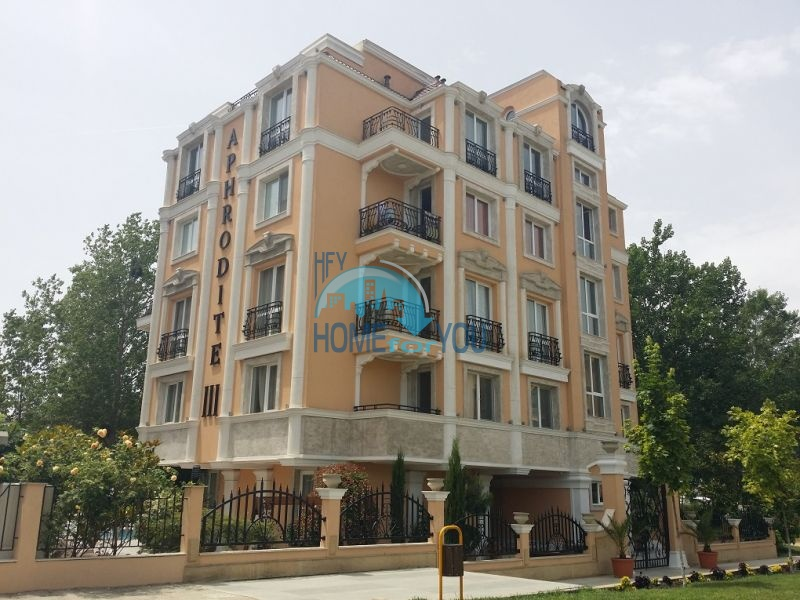 Уютная двухкомнатная квартира в элитном комплексе в центре курорта