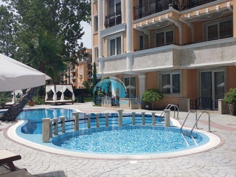 Уютная двухкомнатная квартира в элитном комплексе в центре курорта 21