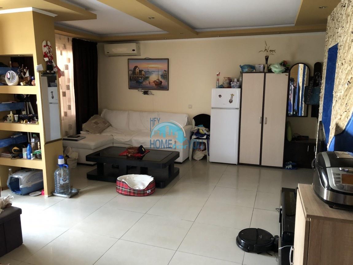 Уютная трехкомнатная квартира на Солнечном берегу
