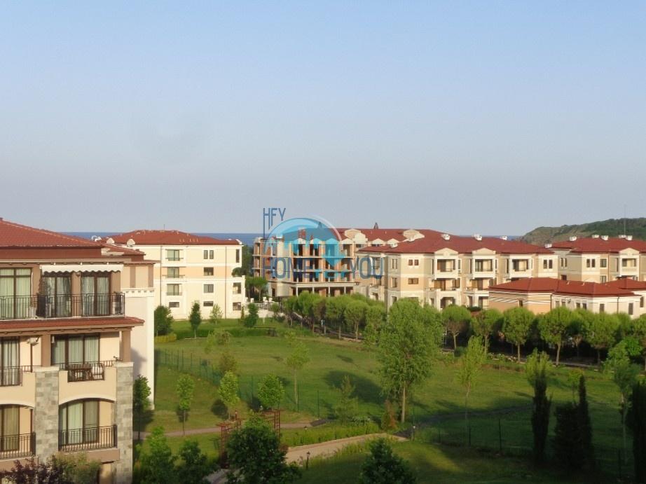 Чудесная трехкомнатная квартира с видом на море в Созополе