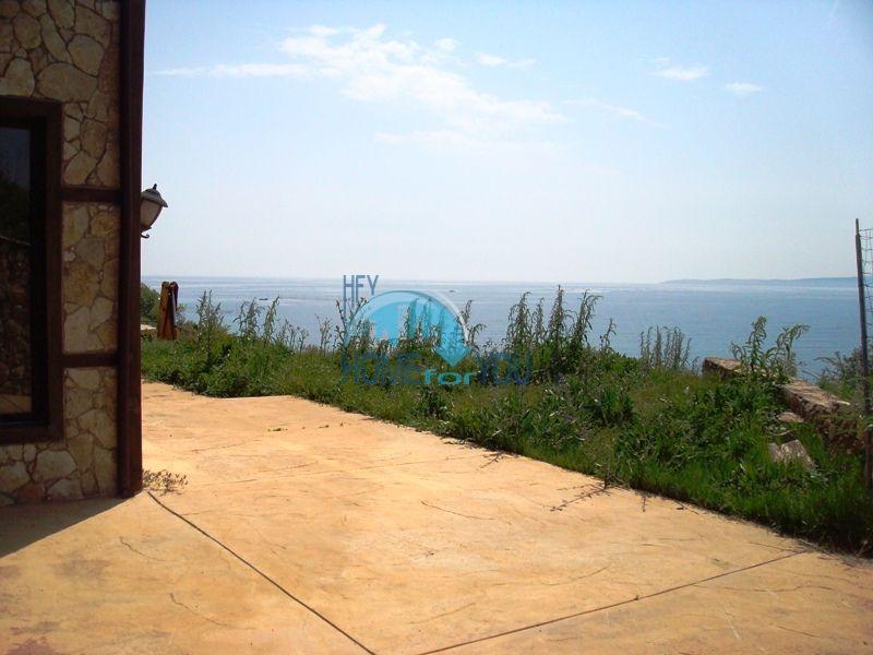 Двухэтажный меблированный дом у моря в городе Созополь 11