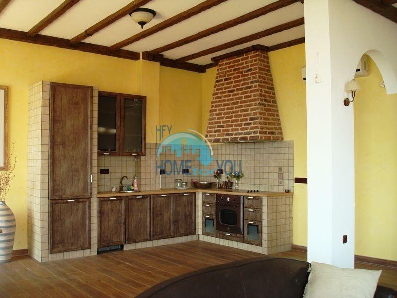 Двухэтажный меблированный дом у моря в городе Созополь 23