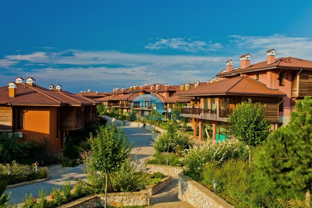 Элитные дома на первой линии в комплексе Sozopolis в Созополе