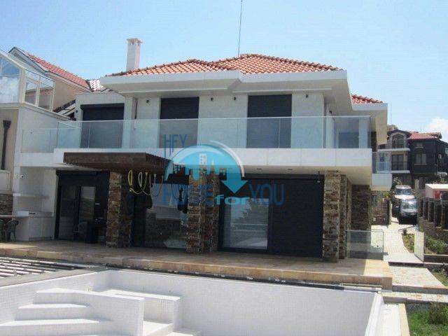 Элитный новый двухэтажный дом у моря в городе Созополь 2