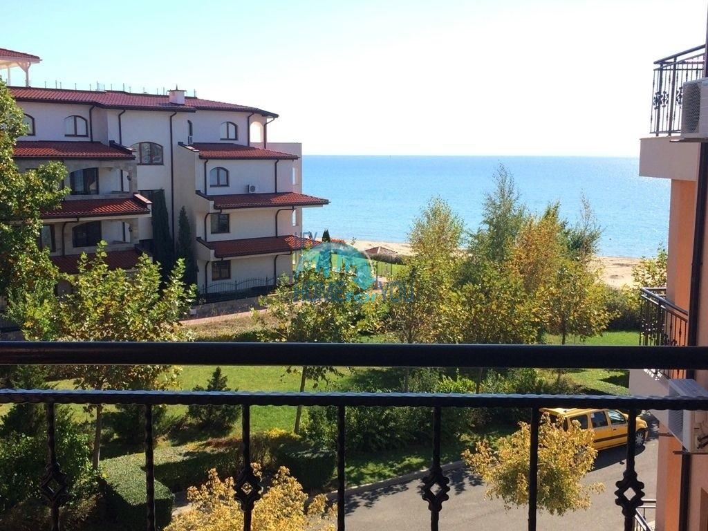 Двухкомнатная квартира с видом на море в Святом Власе - первая линия