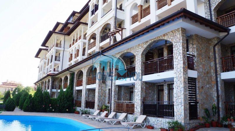 Трехкомнатная меблированная квартира на курорте Святой Влас