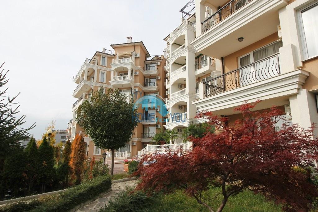 Двухкомнатная квартира с видом на море в уютном комплексе