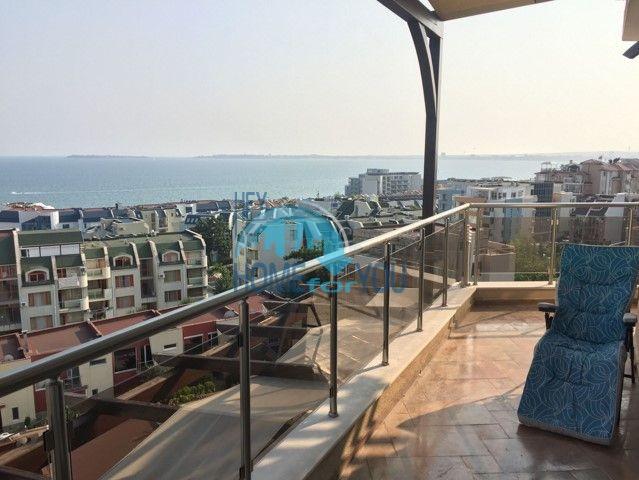 Элитная большая квартира с видом на море на курорте Святой Влас