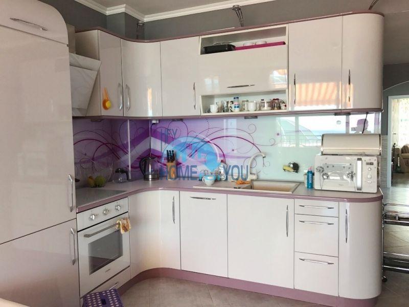 Элитная трехкомнатная квартира на первой линии в Святом Власе 7