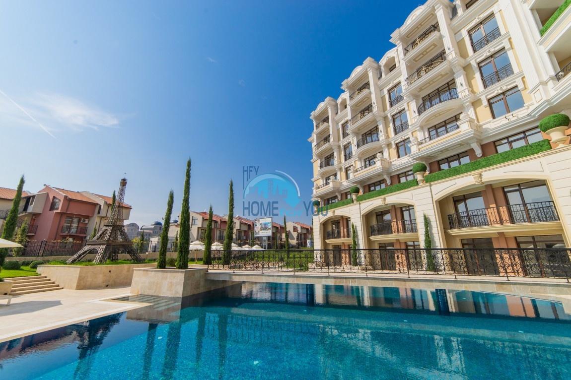 Элитные апартаменты на берегу моря в курорте Святой Влас - прекрасный комплекс